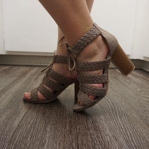 qupid block chunky heel sandals